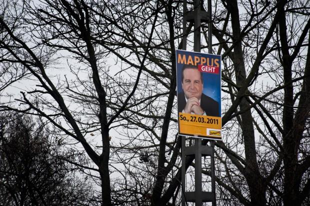 """""""Mappus Geht"""" Adbusting Wahlplakat in Stuttgart - Neue Weinsteige"""