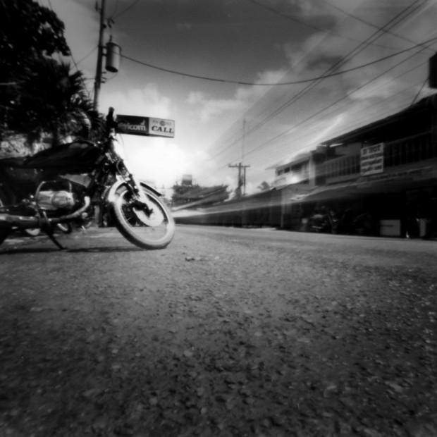 Lochkamera Foto Moped - Pinhole camera oder Camera Obscura genannt