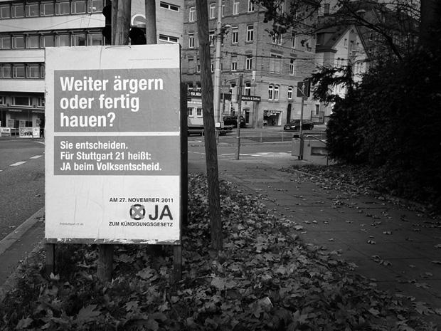 Pro Stuttgart 21 Plakat zur Volksabstimmung am 27.11.2011 - Olgaeck