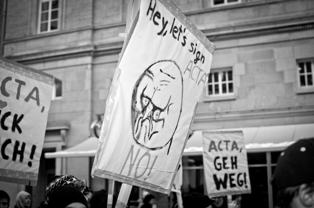 ACTA Demonstration in Stuttgart am 11.02.2012 - ACTA geh weg