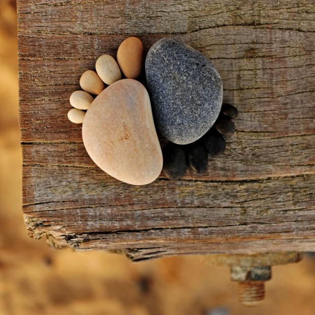 Ying Yang Feet 2 - Copyright Iain Blake
