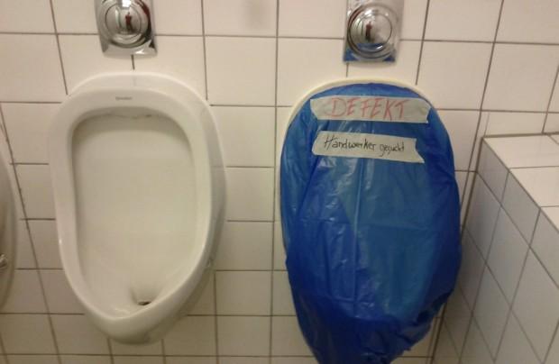 Toilette defekt - Handwerker gesucht