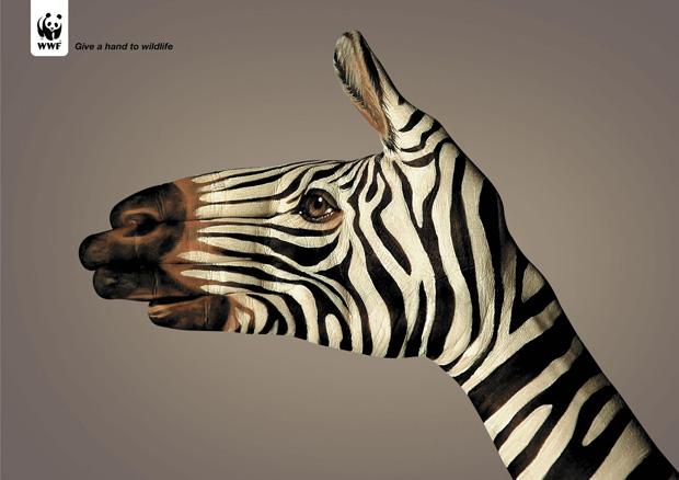WWF Kampagne mit bemalten Händen von Guido Daniele