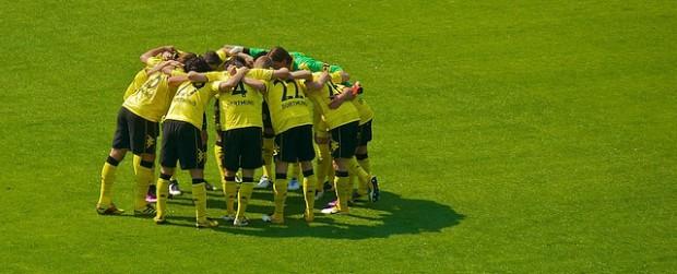 Roman Weidenfeller verabschiedet sich von seinen Mitspielern, die zum FC Bayern wechseln