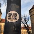 gott hat keine religion streetart stuttgart