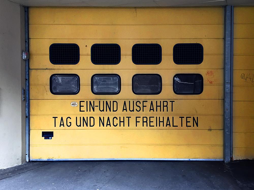 streetart ausfahrt freihalten