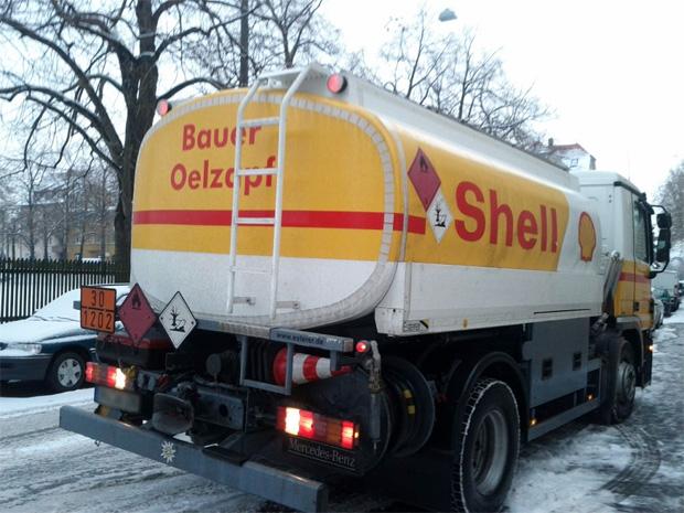 Bauer Oelzapf Tanklastwagen Shell Heizöl