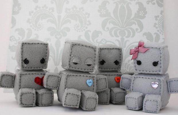 4 Roboter Stofftiere - von etsy Userin Littlebrownbyrd